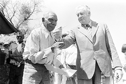 Vincent Lingiari and Gough Whitlam